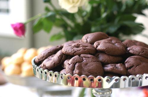 baby shower chocolate cookies web