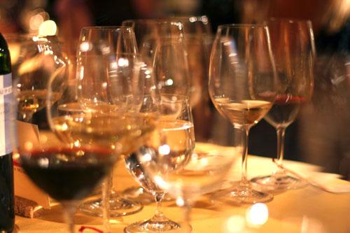 bertolli dinner wine glasses