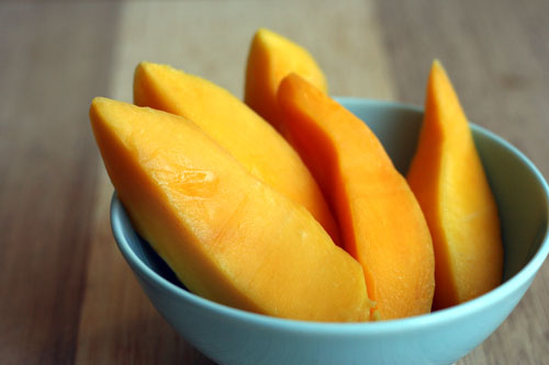 sliced mango web