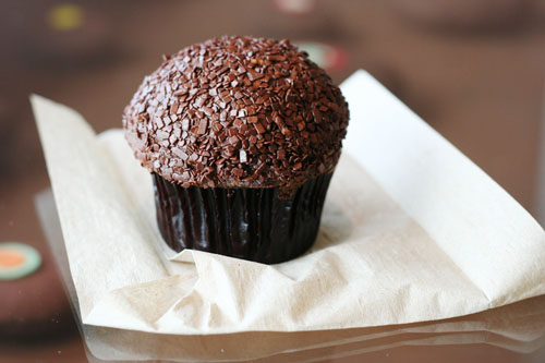 sprinkles cupcakes double chocolate web