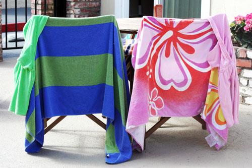 drying beach towels web