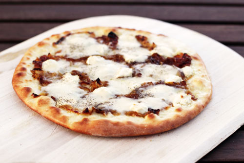honey goat cheese pizza with caramelized onions from @janemaynard