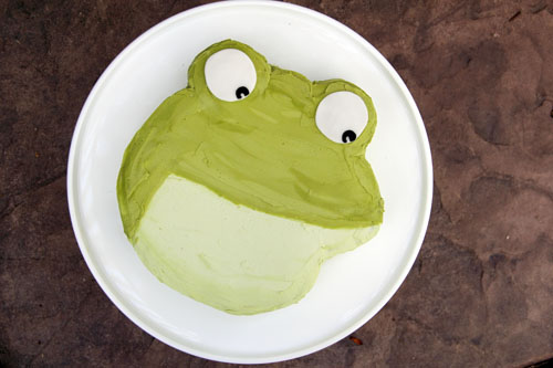big green toad cake | thisweekfordinner.com