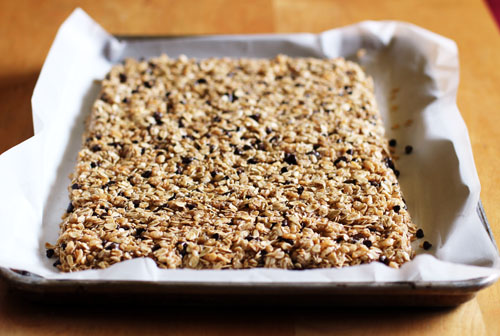 homemade chocolate chip granola bars from weelicious | thisweekfordinner.com