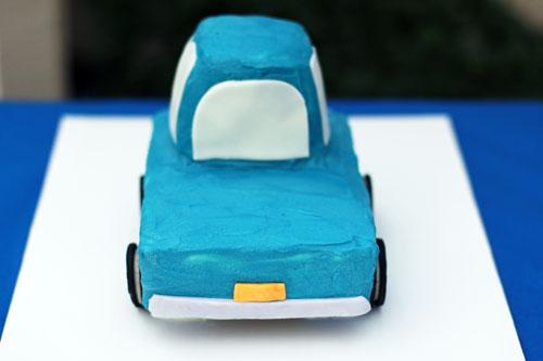 little blue truck cake cake   thisweekfordinner.com