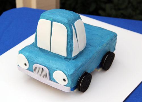 little blue truck cake   thisweekfordinner.com