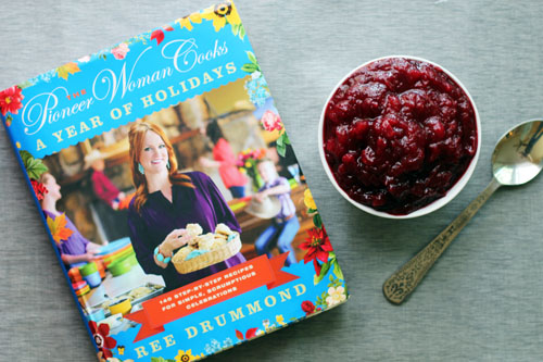 the pioneer woman cooks: a year of holidays giveaway + recipe for easy homemade cranberry sauce from @janemaynard at thisweekfordinner.com
