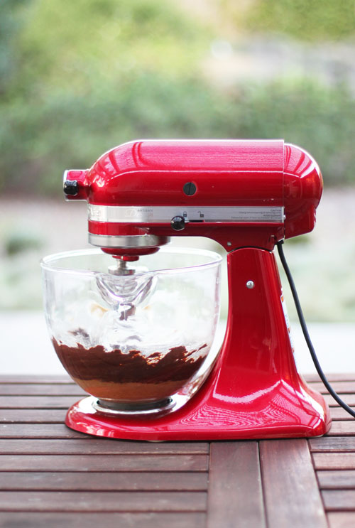 KitchenAid Candy Apple Red Artisan Stand Mixer with Glass Bowl Giveaway from @janemaynard