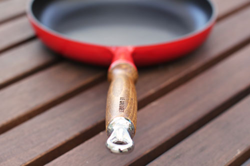 le creuset heritage fry pan with wooden handle | thisweekfordinner.com