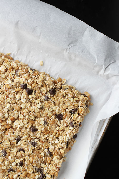 tip for shaping homemade granola bars easily from @janemaynard