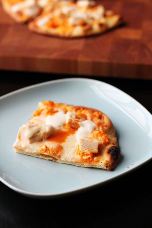 buffalo chicken flatbread from @janemaynard