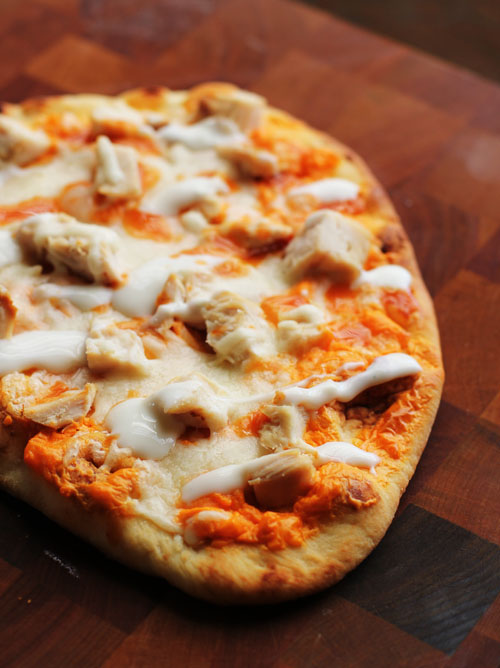 buffalo chicken flatbread by @janemaynard