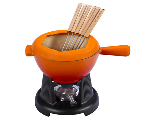 le creuset cheese fondue - gift idea and giveaway from @janemaynard