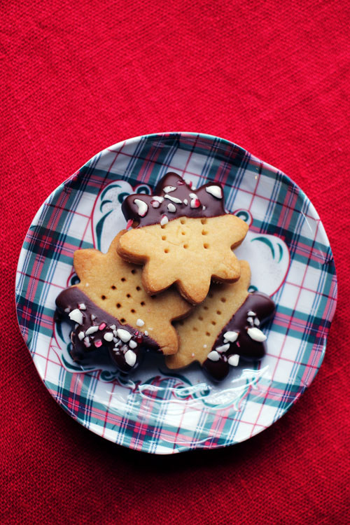 chocolate-dipped peppermint shortbread from @janemaynard