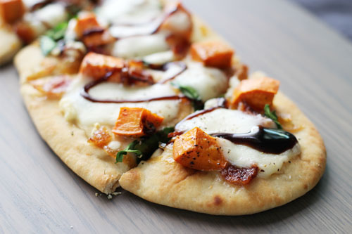 recipe for DELICIOUS sweet potato and bacon pizza from @janemaynard