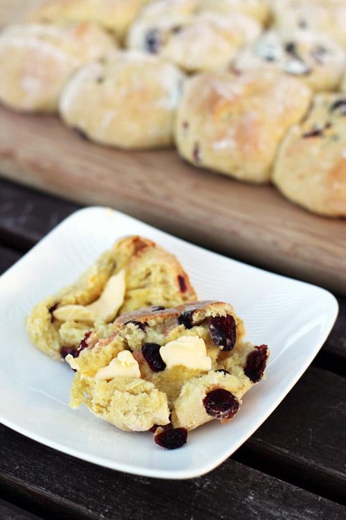 recipe for cranberry orange irish soda bread buns from @janemaynard