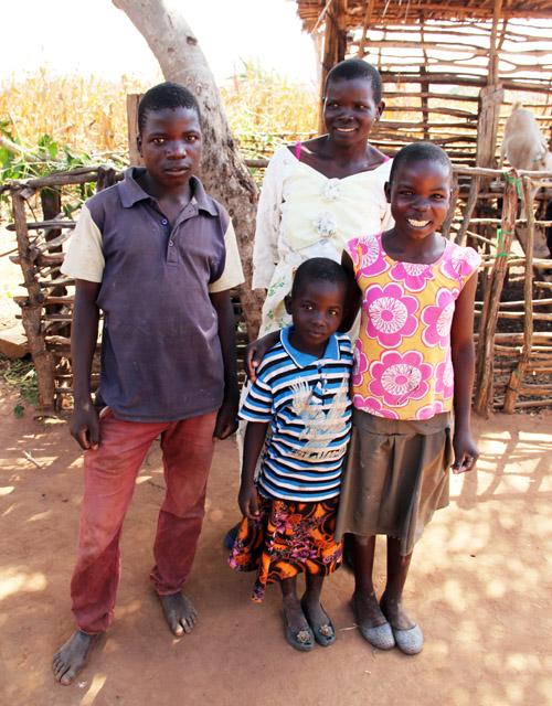 snapshots from malawi: mtika family by @janemaynard