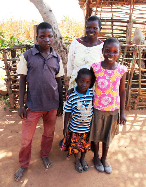 snapshots from malawi: mtika family by @janemaynard
