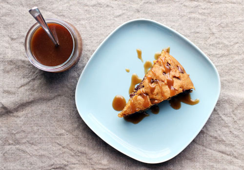 skillet dark chocolate pumpkin bars with butterscotch drizzle sauce from @janemaynard