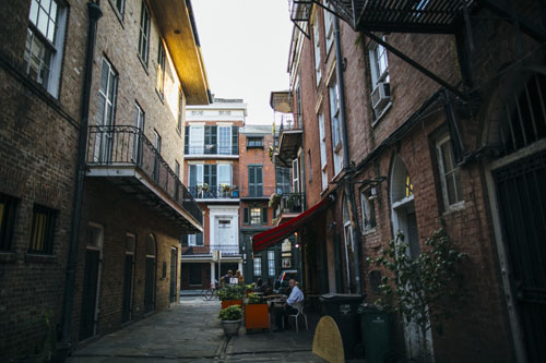 Cabildo Alley | New Orleans | What to Eat in New Orleans from @janemaynard (photo by Cora Wallin)