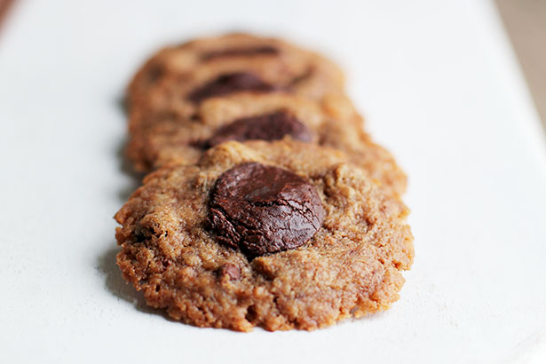 Recipe for Easy Fudgy Thumbprint Chocolate Chip Cookies from @janemaynard