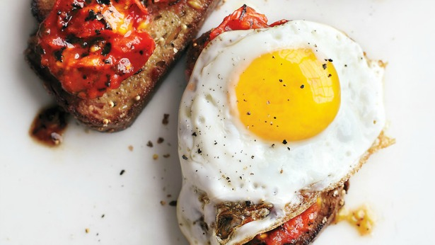 Week 560 Weekly Menu on @janemaynard from Rachel Faucett: Fried Eggs and Charred Tomatoes Toast